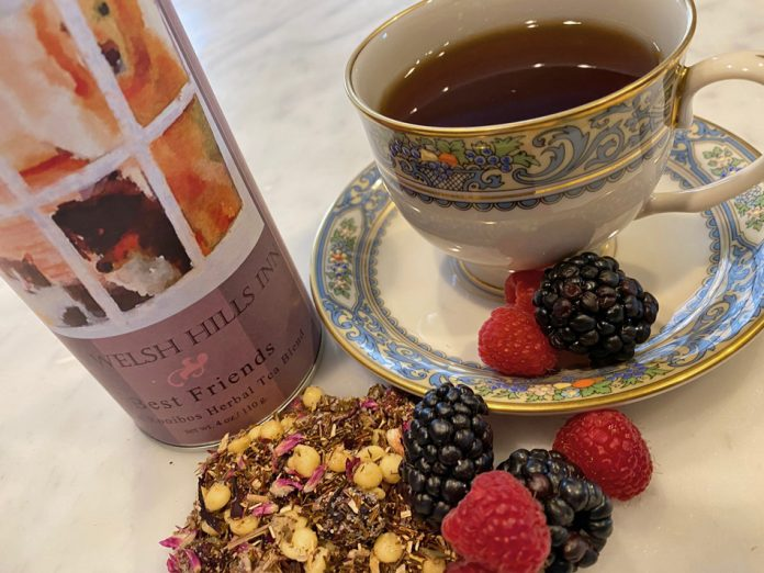 Best Friends Green Roobios Tea   Blackberry, Raspberry, White Chocolate   The Welsh Hills Inn